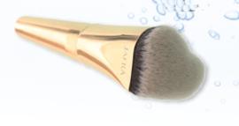 Love foundation brush