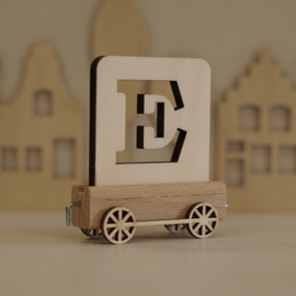 E | Houten lettertrein