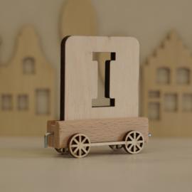 I | Houten lettertrein