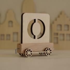 O | Houten lettertrein