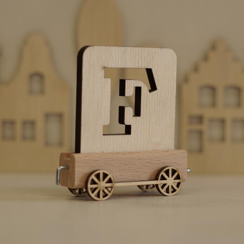 F | Houten lettertrein