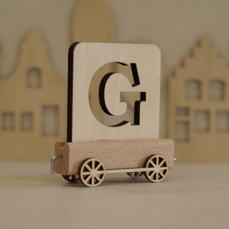G   Houten lettertrein
