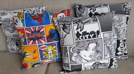 Diverse Sierkussens met comic print  40 x 40 cm. - Comic kleur - Comic zwart/wit - Gelimiteerde oplage!