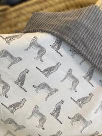 Omslagdoek  cheetah- rib grey