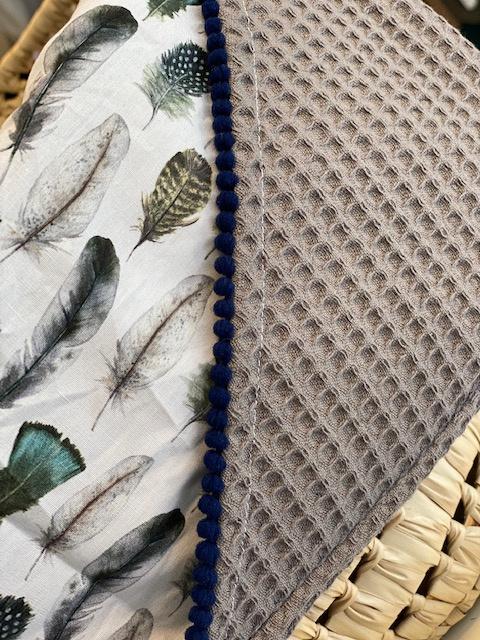 Omslagdoek blauwtint veren - wafel grijs
