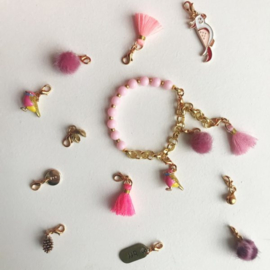 ByMelo   Armband roze bedel incl. 3 bedels (pompoen, belletje, kwastje)