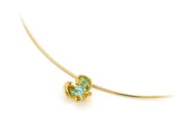 Day dream flower pendant.