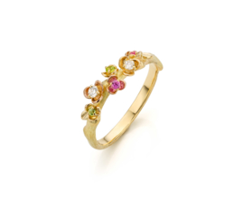 Twig ring with flowers.