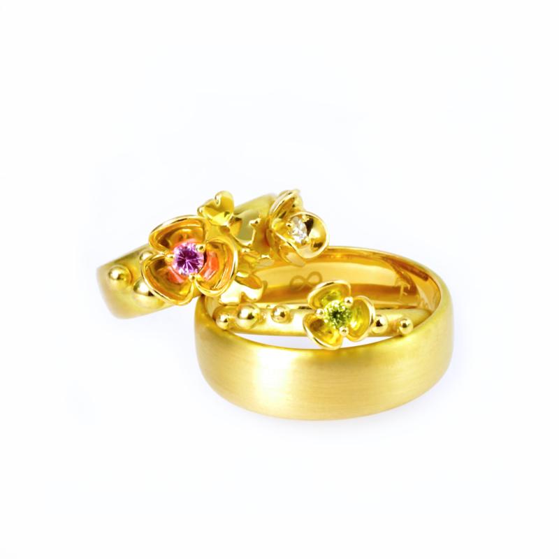 Verloving en trouwringen.