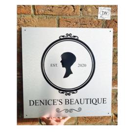 Logo bord (lettertype naar keuze)