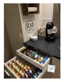 RM Café met afbeelding en 2 gewenste letters