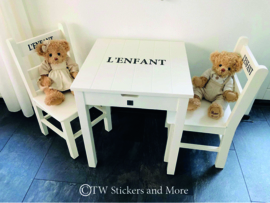 L'ENFANT tafeltje en stoeltjes