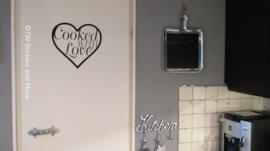 Cooked with love in hart (in lettertype naar keuze)