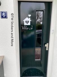 Huisje met huisnummer erin en namen (lettertype en huis naar keuze)