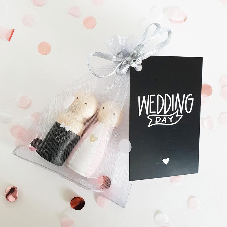 Trouwcadeau, cadeau bruiloft, houten poppetjes bruidspaar | Sweet Petite Jolie