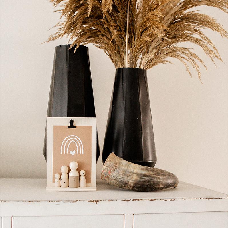 Houten poppetjes op klembord, houten poppetjes interieur | Sweet Petite Jolie