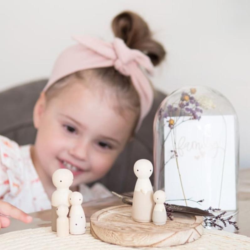 Houten poppetjes, poppetjes met stolp, poppenhuis poppetjes | Sweet Petite Jolie