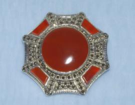 Zilveren broche met Carneool