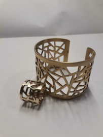 Armband met bijpassende ring gemaakt van Tomac.