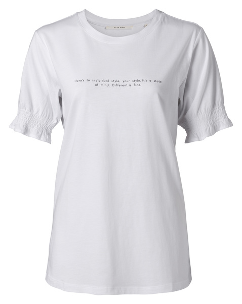 Smocked sleeve tee with text print