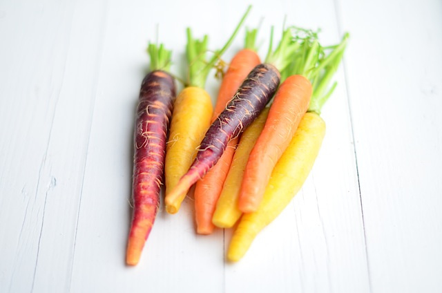 Gekleurde wortelen (per kg)