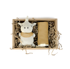 Mrs Ertha // Unicorn babybox mustard