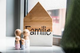 Familie huisje + poppetjes