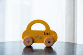 Speelgoed auto oker