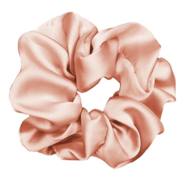 Luxe Plush Scrunchie (Peach Fuzz)