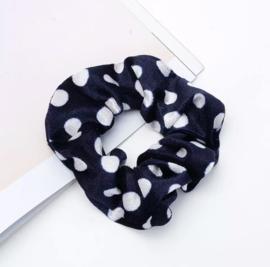 Fluwelen Scrunchie (donkerblauw - witte dots)