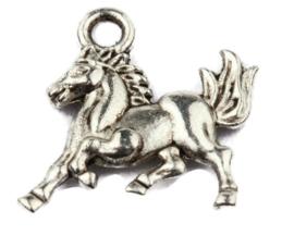 Metalen Hanger Bedel Paard in Galop - 15x14mm - Antiek Zilverkleur