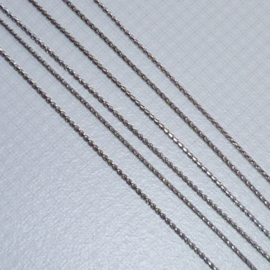 Ketting dun zilverkleur - ca.1mm dik - lengte 80cm