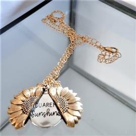 Goudkleurige Halsketting met Zonnebloem Hanger