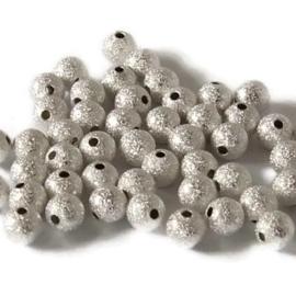 Stardust kralen 4mm zilverkleur - 20 stuks