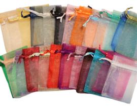 Organza zakjes - 25 stuks - mix of per kleur - 7x9cm of 9x12mm