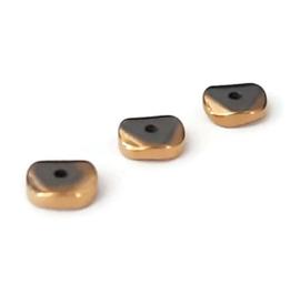 Hematiet kralen 4 of 6mm – Antiek goudkleur