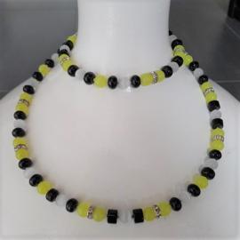 Lange Halsketting met Geel, Wit en Zwarte Kralen