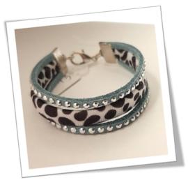 Kinderarmbandje in Blauw met Zilverkleurige studs en Panterprint Zwart/Wit
