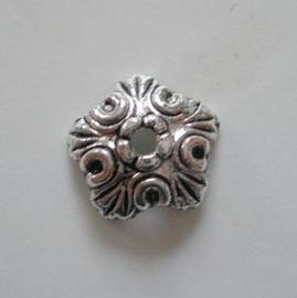 Kralenkapje- 10mm-Oud Zilverkleur  Metaal - 19 stuks