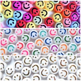 Acryl Smileys Kralen - multicolor of wit - 7x3.5mm - 25 stuks