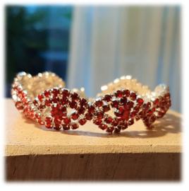 Armband met rode oostenrijkse kristal steentjes