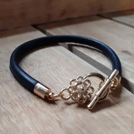 Donkerblauw Imitatieleer Armband met Goudkleur Zeeuwse Knop Slotje
