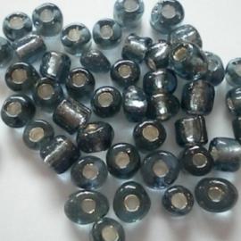 Glas rocaille 4mm (6.0) Grijs Silverlined - Per zakje ca 55 stuks