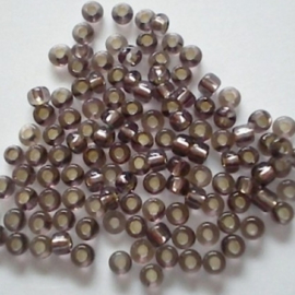 Glas rocaille 2mm (12.0) Grijs Silverlined - Per zakje  10 gram (ca.800st.)